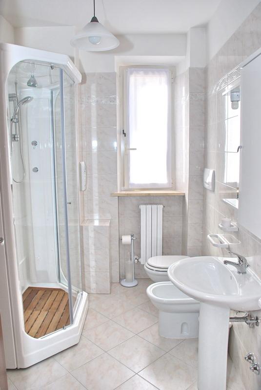 Bagno Con Finestra : Con finestra interna doccia arredamento bagno